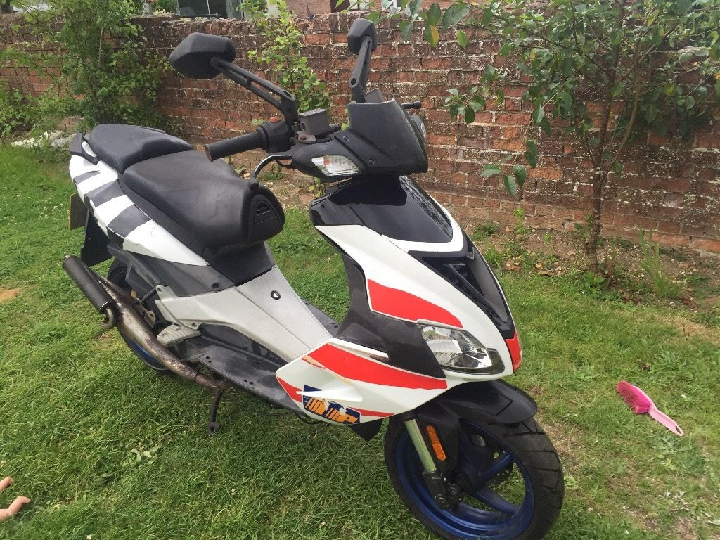 Aprilia Sr 50 2006 scooter moped spares or repairs
