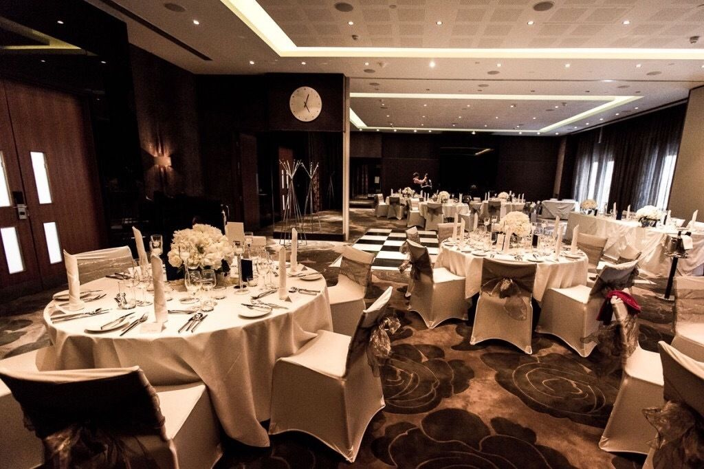 Wedding for sale! Luxury East London Hotel and external Asian cuisine Catering