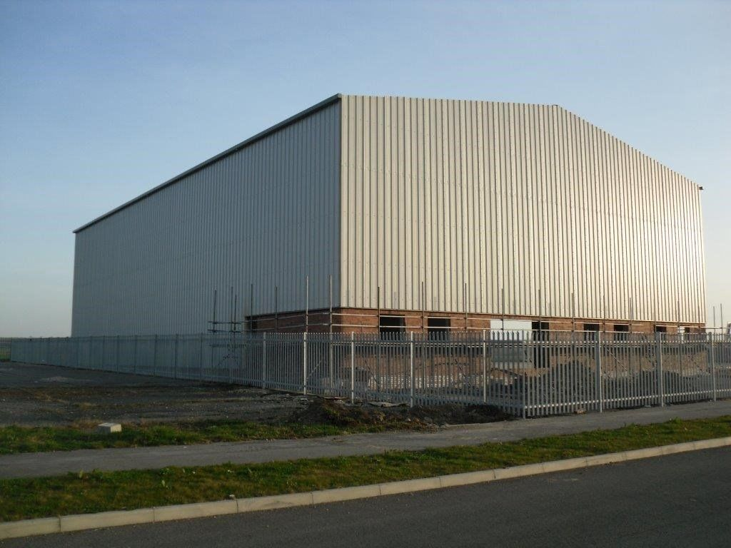 EXPERIENCED PANEL CLADDER & ROOFER REQUIRED FOR INDUSTRIAL BUILDINGS