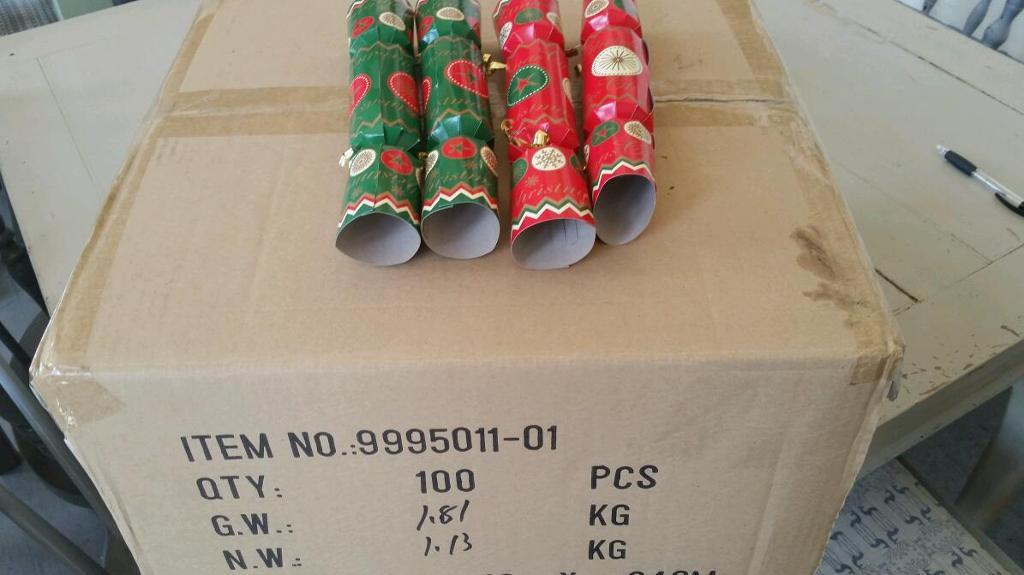 Christmas Crackers & Party Poppers