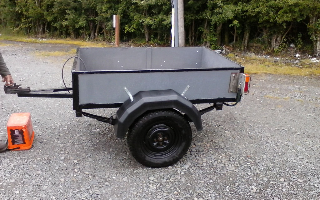 Leaf sprung trailer....3.5 ft x 5 ft