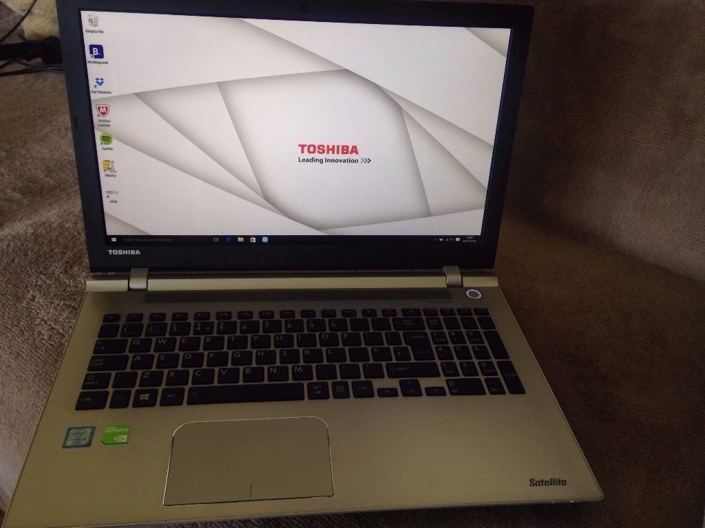 Toshiba Satellite P50-C-18K Win10 x64