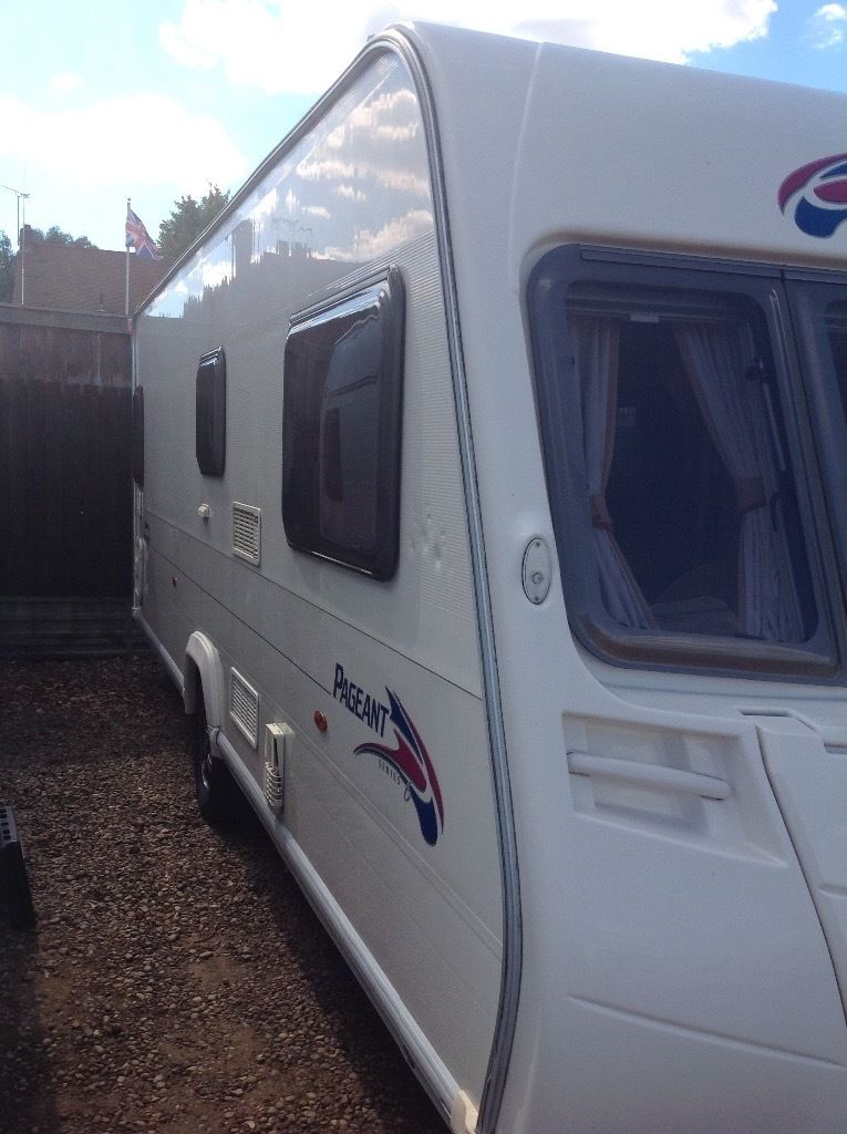 Bailey pageant Burgundy 2008 4 berth fixed bed single axle