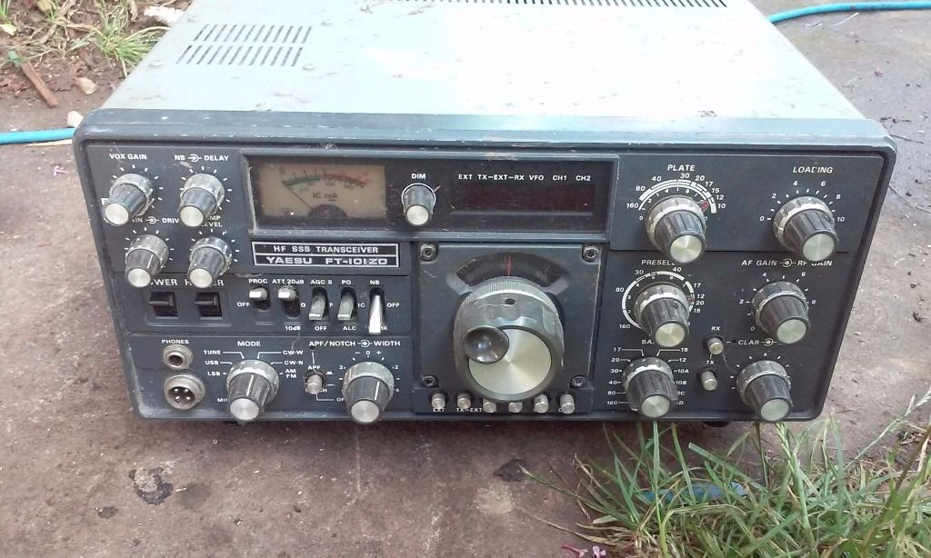 ham reciever transmitter radio no wires do have standard head phones and mic