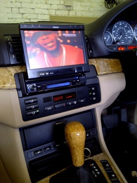 "Clarion in Car DVD Touch Screen 7"" - USB, Subwoofer Out, Aux, iPod"