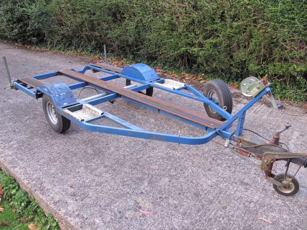 Trailer single axle. suitable to transport 2 or 3 Motorbikes, Trike or as a boat trailer.