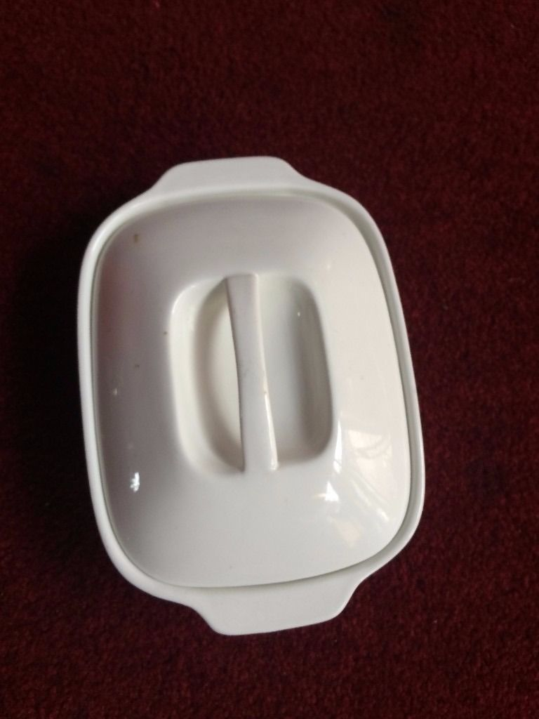 FOOD SERVING DISH 8 PIECES WITH LIDS AND 4 PIECES WITH NO LIDS,TOTAL12 PIECE