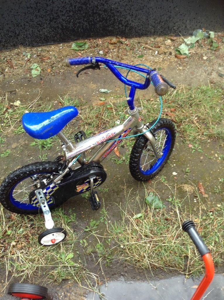 Childrens. Bike with stabilisers