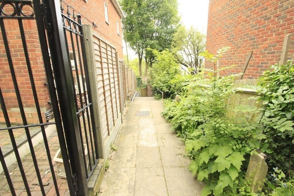 SUPER DOUBLE ROOM IN THE LOVELY ARCHWAY! ALL BILLS INCLUDED! 76a