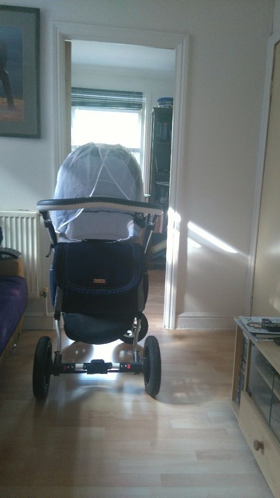 Beautiful, strong and sturdy pram/ pushchair for sale, navy/ white