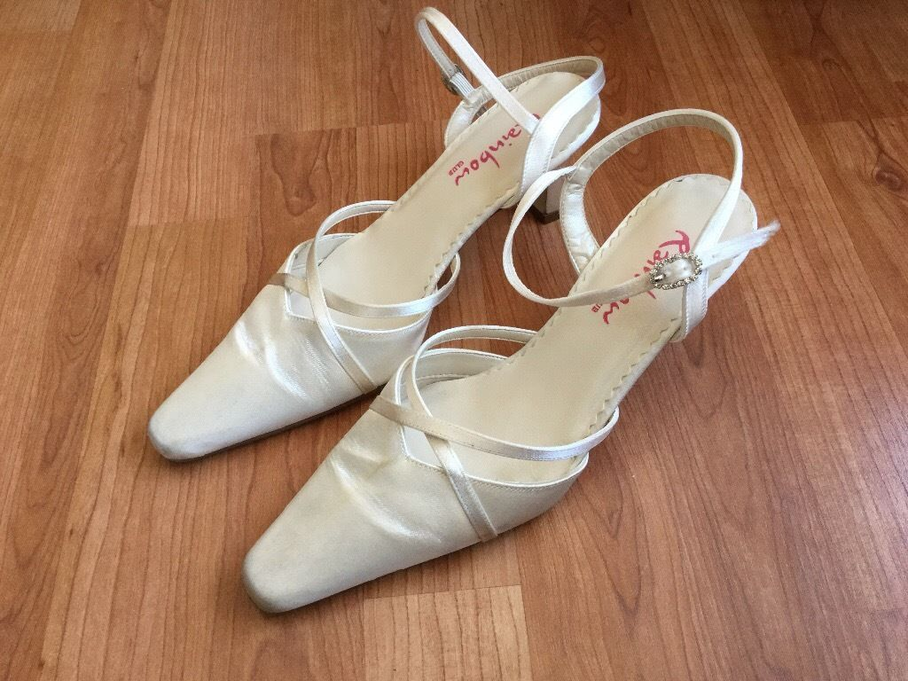 Bridal shoes size 4