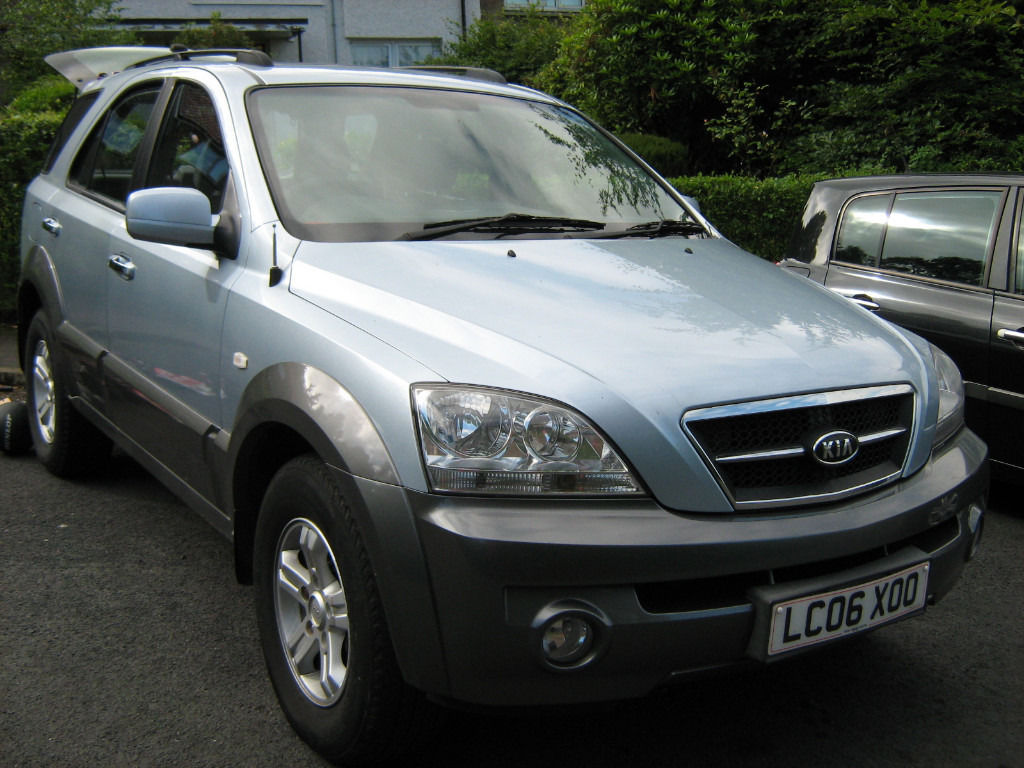 I wan to swap my Kia sorento 4x4 SUV 2.5 diesel manual for smaller car or bike and cash on my way.