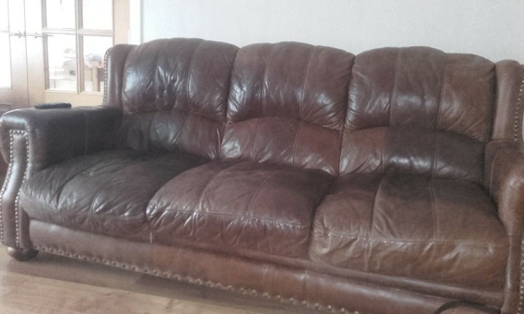 3-1-1 brown leather suite