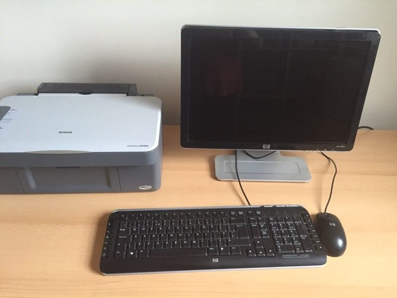 HP desktop pc with desk and printer