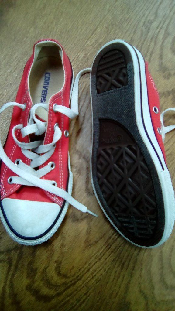 Kids Converse All Stars (Red) - size 1.5