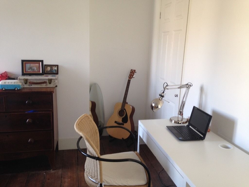 Lovely quiet double room to rent in house in Easton - bills included