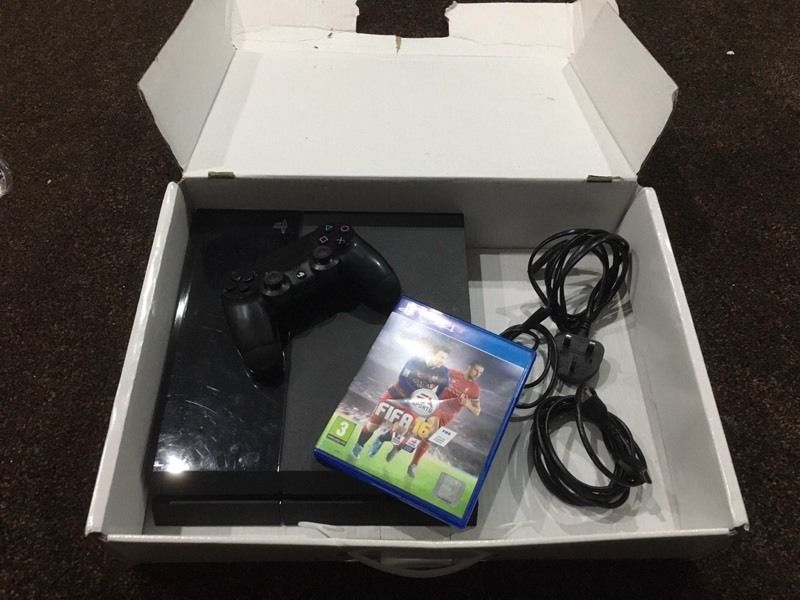 Sony PlayStation 4 console boxed with FIFA 16. Bargain.