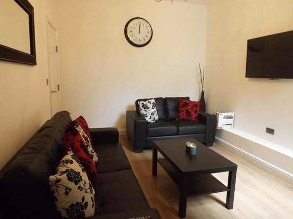 2 Double Rooms available NOW !! Bills Included !!! Burton Road West Didbury, Manchester