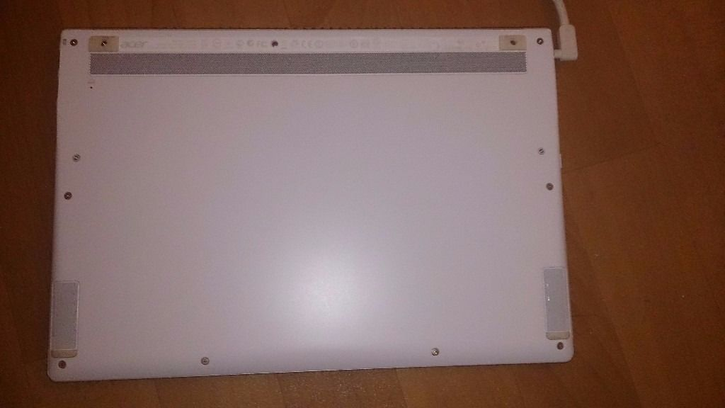 """A Boxed Acer Aspire S7 Series """"13.3"""" - i7 Touchscreen Laptop - White"""