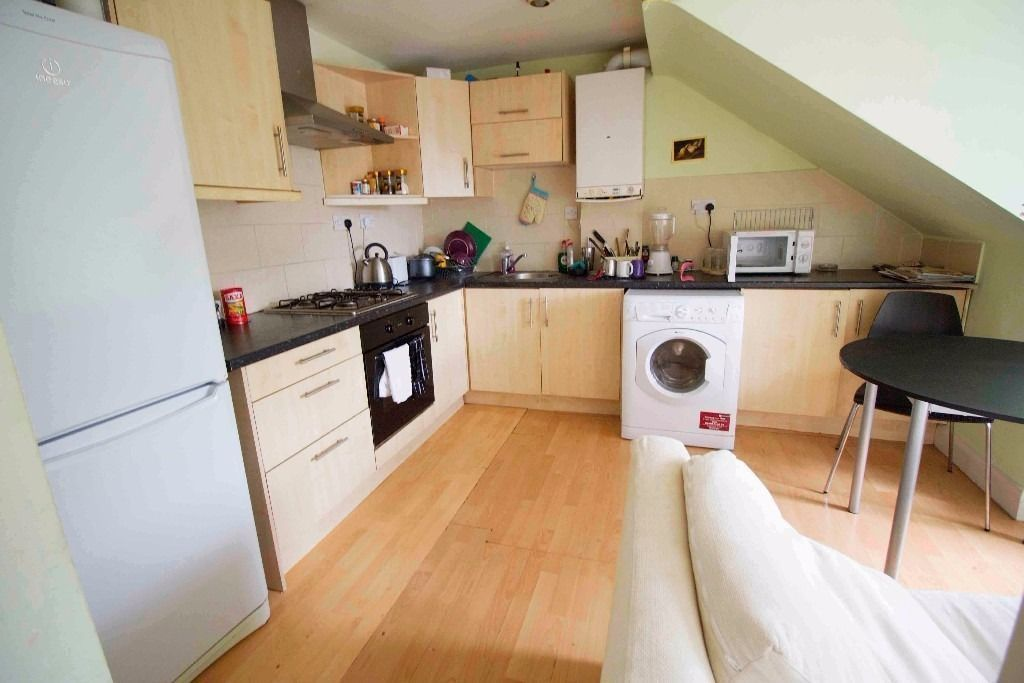 2 Lovely Double Rooms in Zone 3, Bills Included + Free Wifi