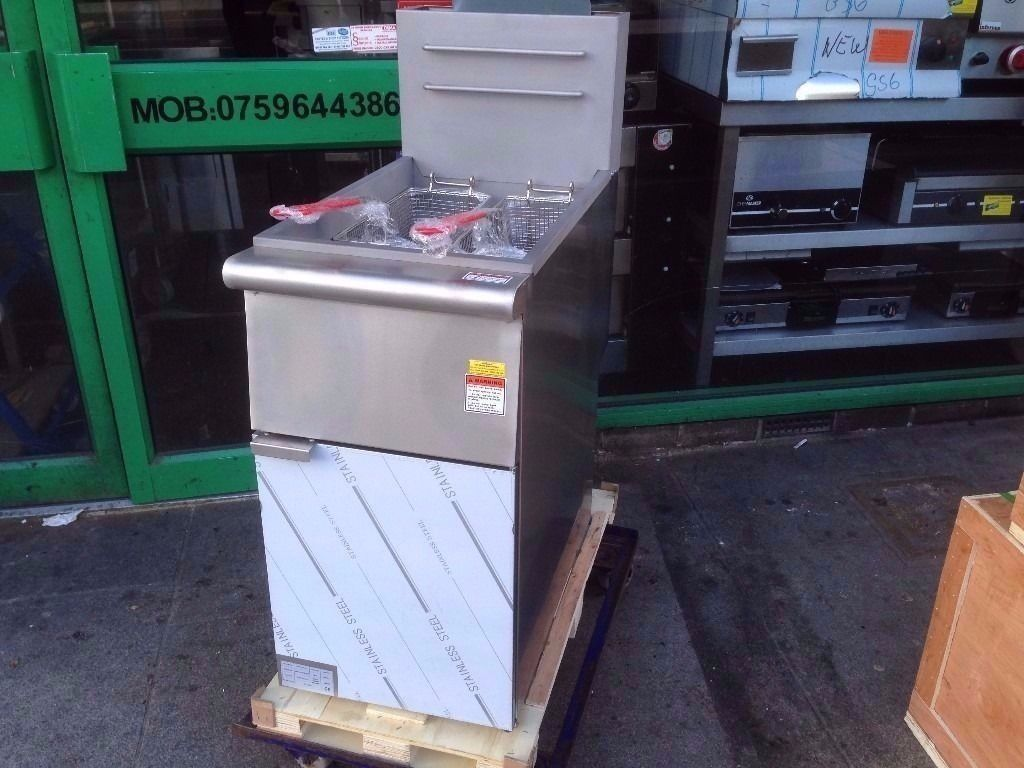 COMMERCIAL VERY NEW UNTOUCHED TWINK BASKET FRYER WORKING ON GAS FISH/CHICKEN AND CHIPS FRIES CATER