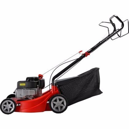 *** GREAT BARGAIN *** 2.5 Year Old Sovereign Seft-Propelled Petrol Lawnmower