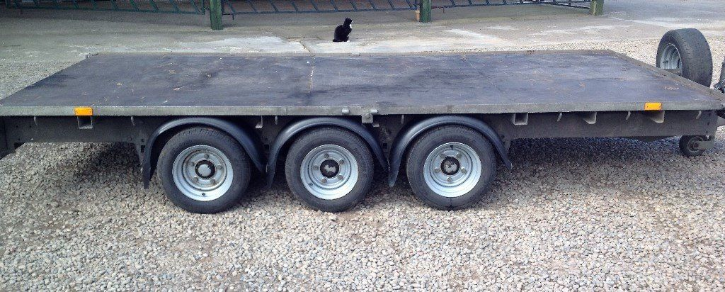 2013 Ifor Williams Tri -Axle LM146G3 (14ft x 6.6ft) FlatBed trailer