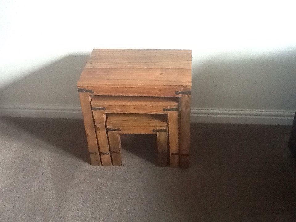 Nest of 3 tables in hardwood good condition