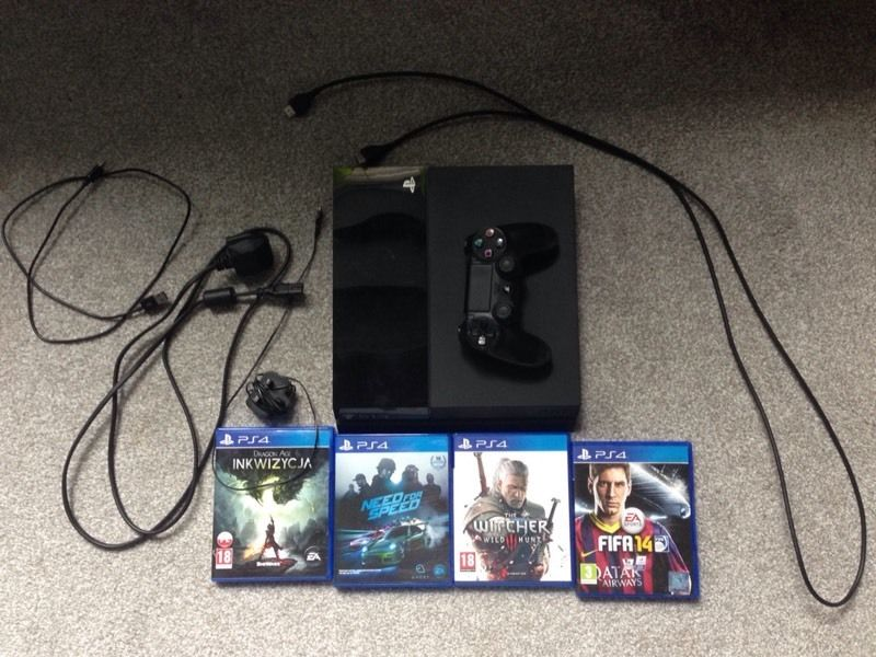 Playstation 4 500 GB + games