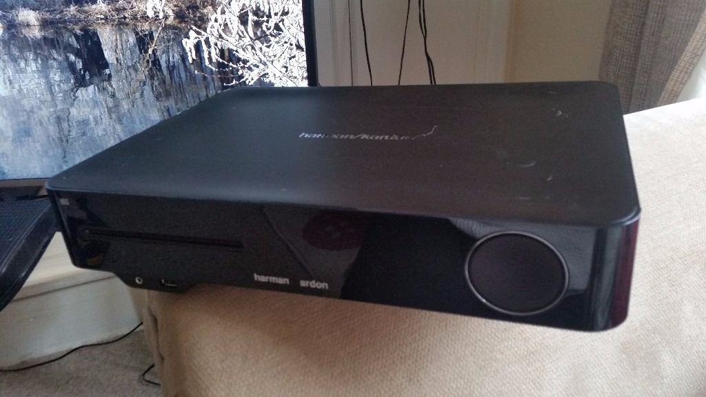 As New - Harman Kardon BDS 577 3D Blue Ray Home Cinema Receiver with HKTS 5.1 Home Cinema Speakers