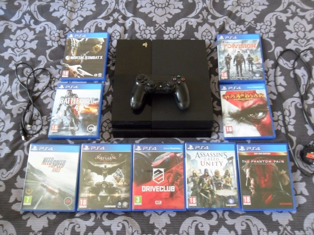 PS4 500GB JET BLACK CONSOLE + 9 GAMES + OFFICIAL HEADSET!