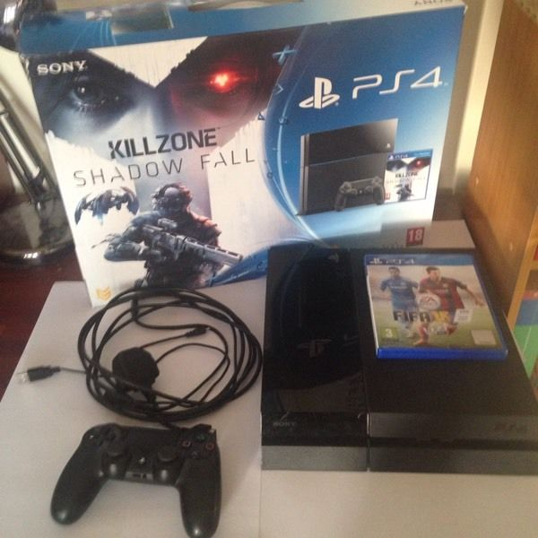 Play station 4 console 250gb