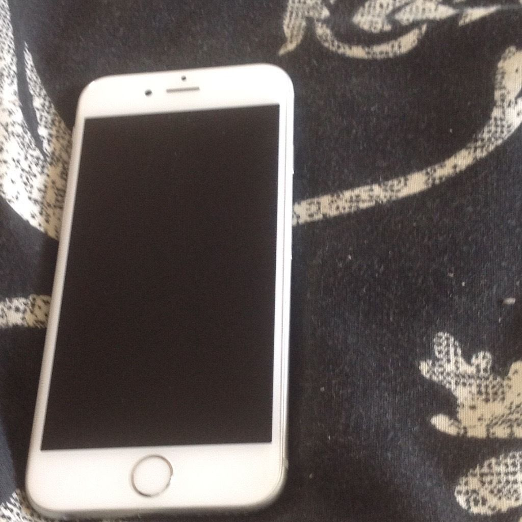 Apple iPhone 6 white/silver on O2/giffgaff/tesco