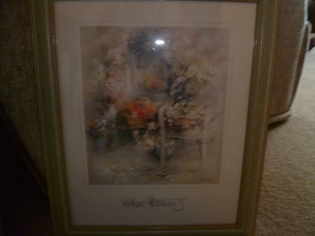 2 Pictures wooden frames glass fronts