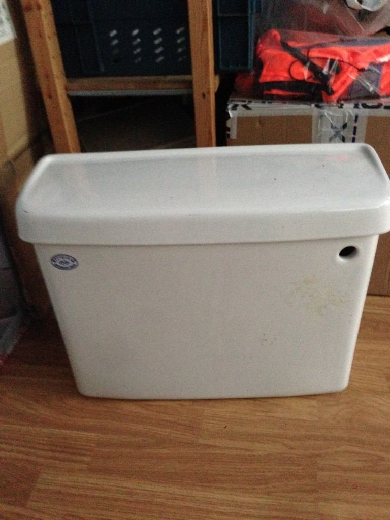 WHITE TOILET CISTERN BY SPRING BATHROOMS - COMPLETE WITH INTERNAL FITTINGS IN ORIGINAL PACKAGING