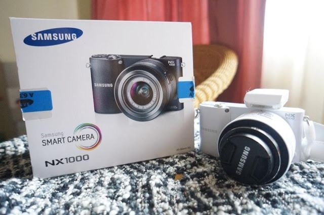 Samsung NX1000 Digital Compact System Camera - White
