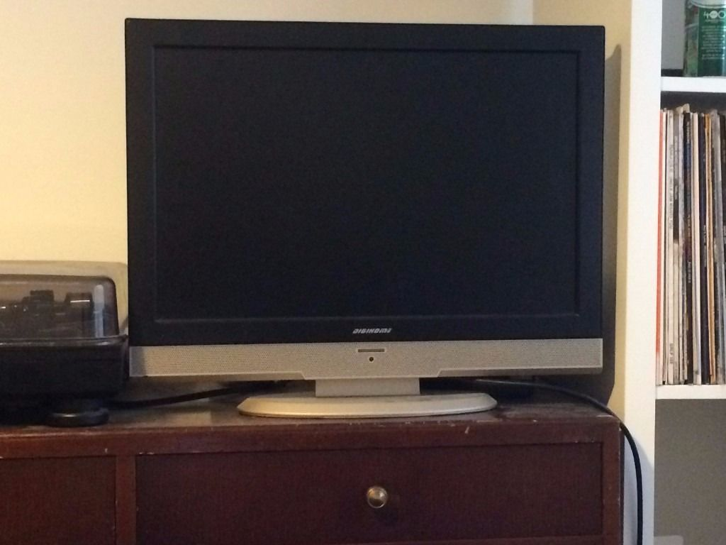 Digihome 22 inch led tv for sale