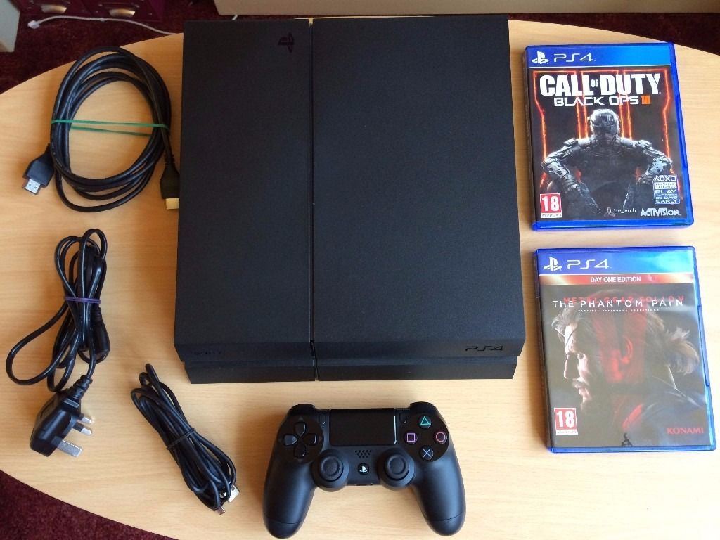 Mint condition PS4 with Black Ops 3 & Metal Gear Solid Phantom Pain