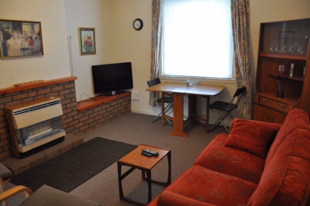 Cozy double room ** ALL BILLS INCLUDED** (Wi-Fi internet, TV, electricity and gas)