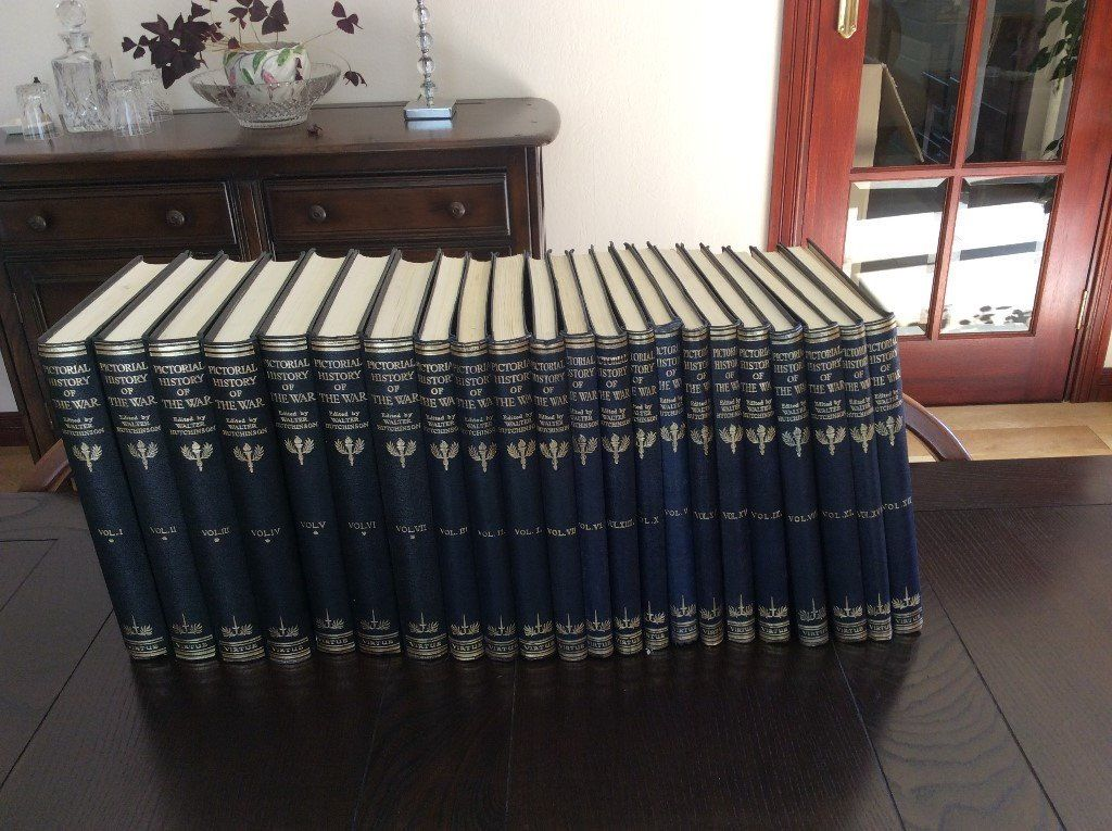 22 volumes of Hutchesons Pictorial History of 2nd World War. Good unmarked condition.