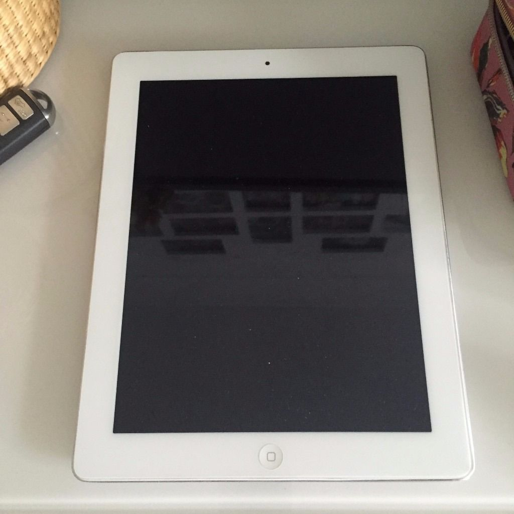 White and Silver Ipad (1st Generation) For Sale- 9.7""