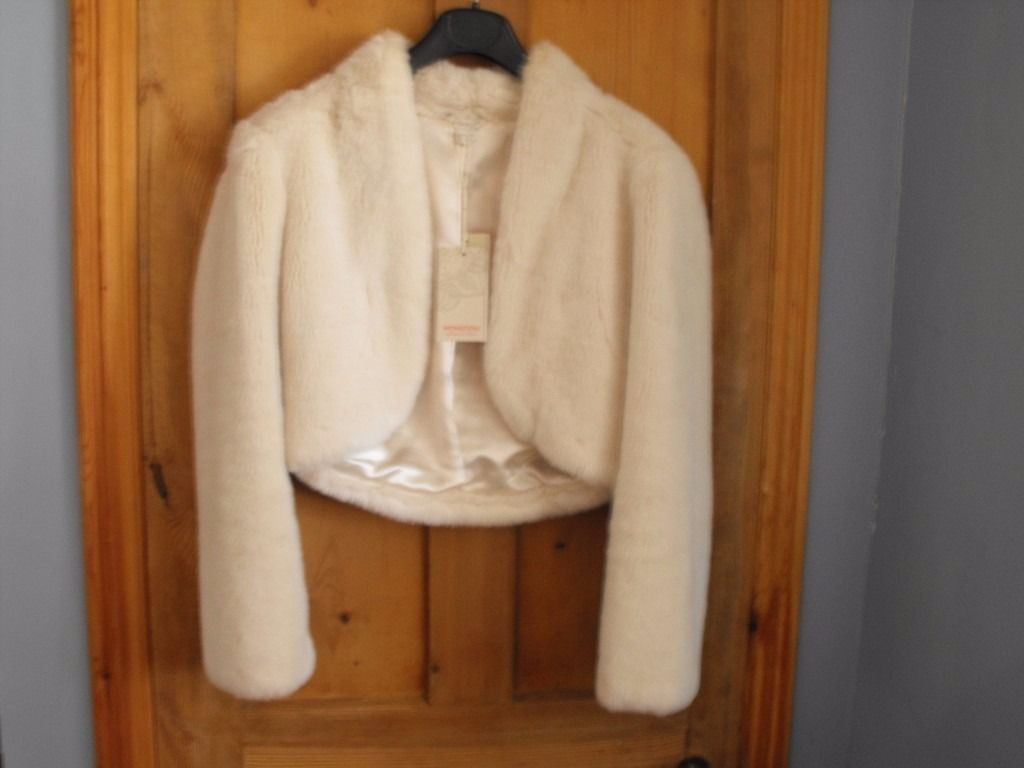 Monsoon Ivory bolero, size 10 fur like feel new with tags
