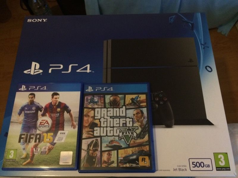 Play Station 4 PS4 500 GB Jet Black CUH-1216A GTA 5 Fifa 15 Like New