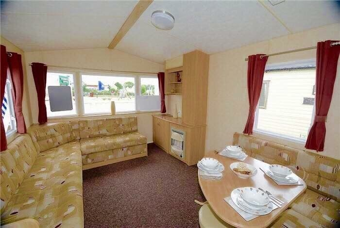 MANAGER SPECIAL! LAST 1 LEFT, SITED ON A STUNNING HOLIDAY PARK WITH DIRECT BEACH ACCESS & SEA VIEW