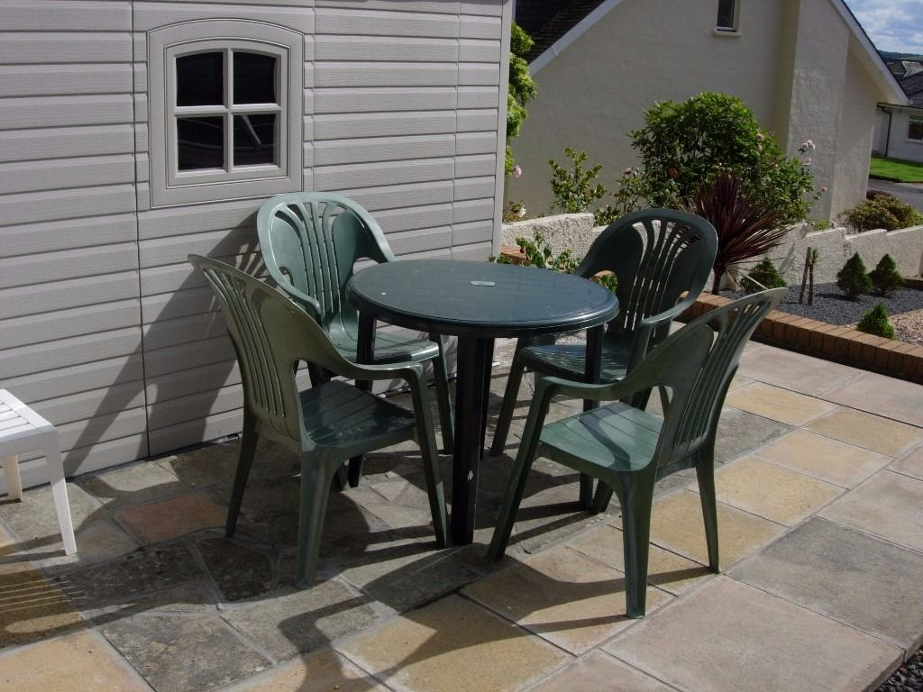Patio Table and 4 Chairs (including Parasol and base)