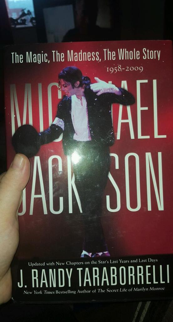 Micheal jackson The Whole story NEW