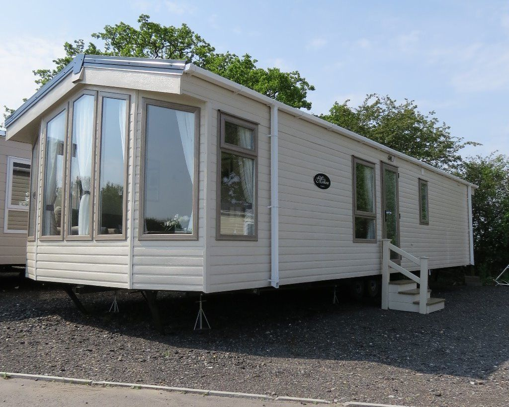 Caravans for Sale - The Stunning very homely MOLINA - Brand New / Winterised