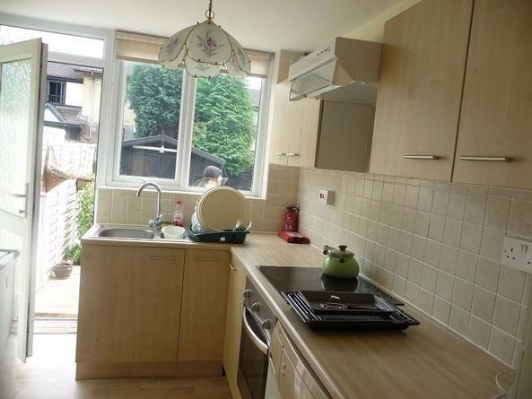 small(box room) room in a clean and friendly house muller rd eastville