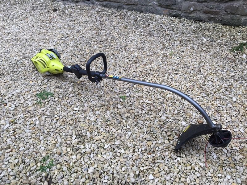 Ryobi Strimmer/trimmer 26cc LIKE NEW
