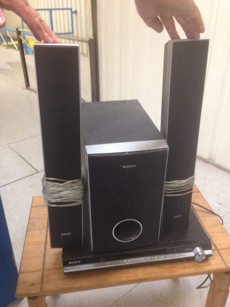 Sony Home Cinema System - Speaker and DVD